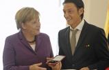 Almanya'da Mesut Özil polemiği! Merkel'in sözcüsü ne dedi?