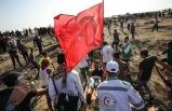 İsrail askerleri Türk bayrağı taşıyan genci yaraladı
