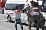 İzmir'deki Yörük Türkmen şöleninde atlar, sahiplerine zor anlar yaşattı