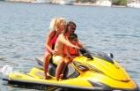 Ailece Jet-ski'yle koyları gezdiler
