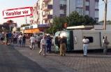 İzmir'de yolcu minibüsüyle otomobil çarpıştı