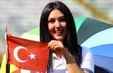 İzmir'in altın kızı, hedefi yine 12'den vurarak gurur kaynağı oldu