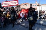 Zeybek oynayıp, şiirler ve türkülerle kutladılar!
