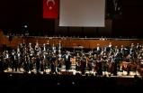 """Alkışlar """"Sensin Atatürk"""" için"""