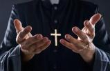 Papaz kilisenin paralarını çaldı ; kumarda kaybetti