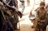Yemenlilerin bir günlük yiyeceği :  kuru ekmek ve süt