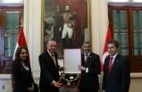 Cumhurbaşkanı Erdoğan'a o ülkeden devlet nişanı