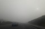 İzmir'de otoyolda sis etkili oldu