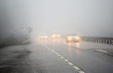 Manisa'da yoğun sis: Göz gözü görmüyor!