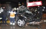 Feci kaza: Otomobil ikiye bölündü!
