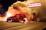 İzmir'de seyir halindeki araç alev topuna döndü