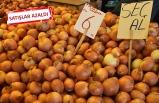 İzmir'de soğan göz yaşartıyor!