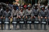 Venezuela'da karşıt gruplar sokağa inecek!