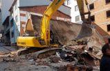 Bina yıkımı esnasında feci kaza!