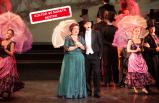Başkan adayı İduğ'dan opera molası
