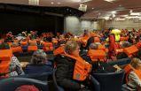 Tavan başlarına çöktü! 994 yolcu kurtarılmayı bekliyor