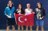 Teniste gençlerden çifte zafer