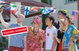 Farklı kültürlerin renkli buluşması