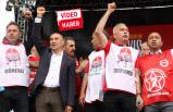 İzmir'de coşkulu 1 Mayıs: Tunç Soyer, İşçi Korosu ile Çav Bella'yı söyledi