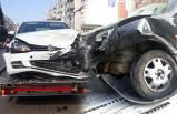 İzmir'de korkutan kaza: 2'si çocuk 4 yaralı