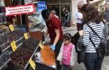 Kemeraltı'nda hurma satışları arttı