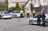 Uygulama noktasına araç daldı: Bir polis memuru şehit