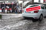 İzmir'de sağanak yaşamı olumsuz etkiledi