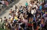 İzmir'de LGBT gerilimi! Gözaltılar var