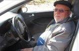 Felçli eşi için 74 yaşında okuma yazma öğrenip ehliyet aldı