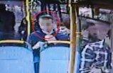 Halk otobüsünde iğrenç olay! Durakta yakalandı...