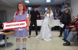 İzmir'de CHP'liler kadına şiddete flash mob ile dikkat çekti