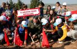 İzmir'de fidanlar öğretmenler için dikildi