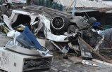 İzmir'de korkunç kaza: 2 ölü 1 yaralı!