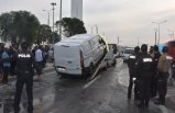 İzmir'de minibüs devrildi: 3 yaralı
