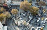 """Eminönü'ndeki """"Umut kuyruğu"""" havadan fotoğraflandı"""