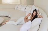 Kim Kardashian'ın 350 bin TL'lik timsah derisi kıyafeti