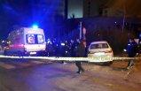 Kontrolden çıkan otomobil, polis aracına çarptı