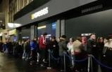Müşteriler metrelerce kuyruğa girdi: Gece yarısı tam bir çılgınlık yaşandı