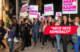Kadınlar tarihi çarşıda fenerlerle yürüdü
