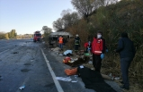 Sığınmacıları taşıyan minibüs devrildi: 2 ölü