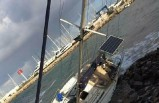 Bodrum'da fırtına etkili oldu; Tekne karaya vurdu