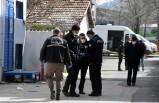 İzmir'de iki kardeş husumetlilerini vurdu:1'i ağır 2 yaralı