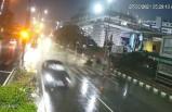 Hindistan'da otomobil, Tuk-Tuk'a arkadan çaptı: 1 ölü