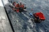 Ege'de yat battı, 17 kişi son anda kurtarıldı