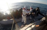 Dikili ve Seferihisar açıklarında 59 kaçak göçmen kurtarıldı