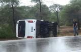Manavgat'ta tur otobüsü devrildi, 8 yaralı