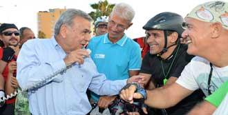 Başkandan Bisikletçilere Destek