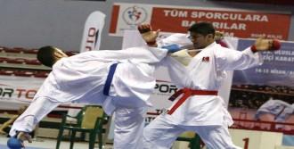 Açık Karate Turnuvası Başladı