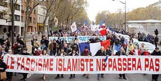 Paris, 'İslam'a Hayır' Dedi