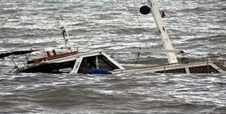 Kaçak Teknesi Battı: 11 ölü